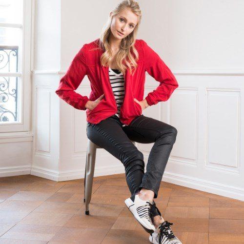 """<h4 class=""""fashion-post"""">OUTFIT-TIPP Damenmode</h4>Stilvoll strukturiert"""
